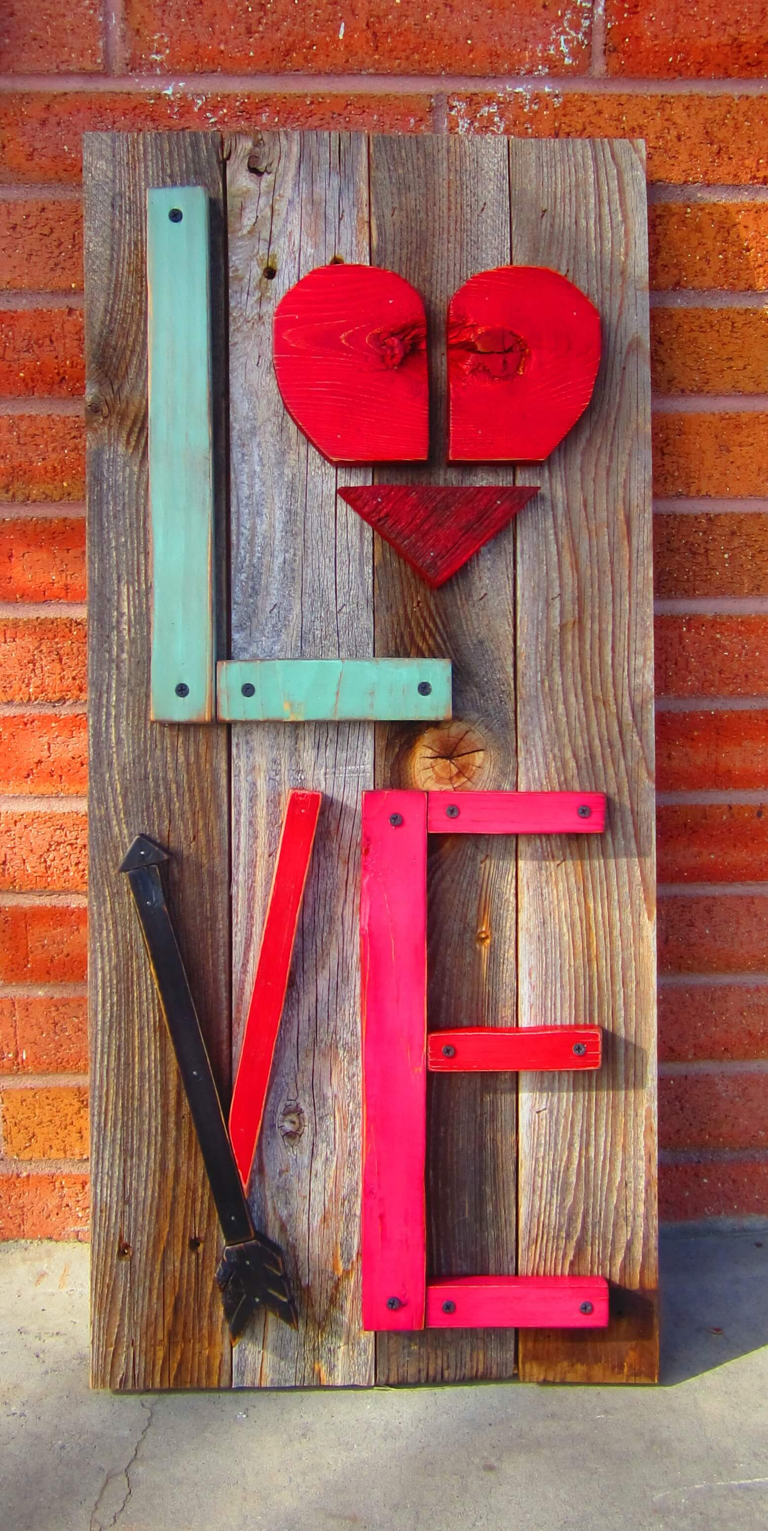 12 rustic love wood signs that will take your decor to the for Wood art craft ideas