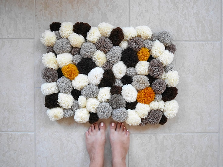 15 DIY Bath Mats To Restyle Your Bathroom