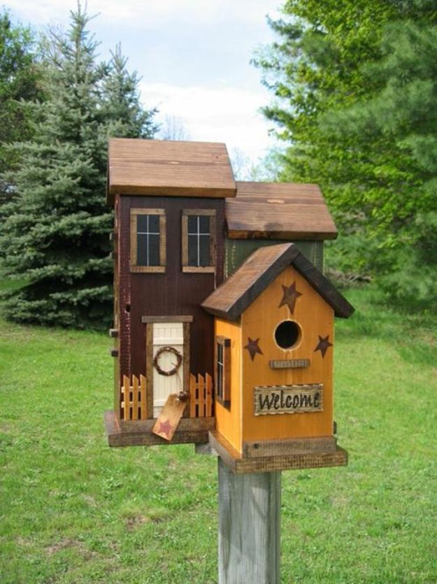 15 Awesome DIY Bird Houses