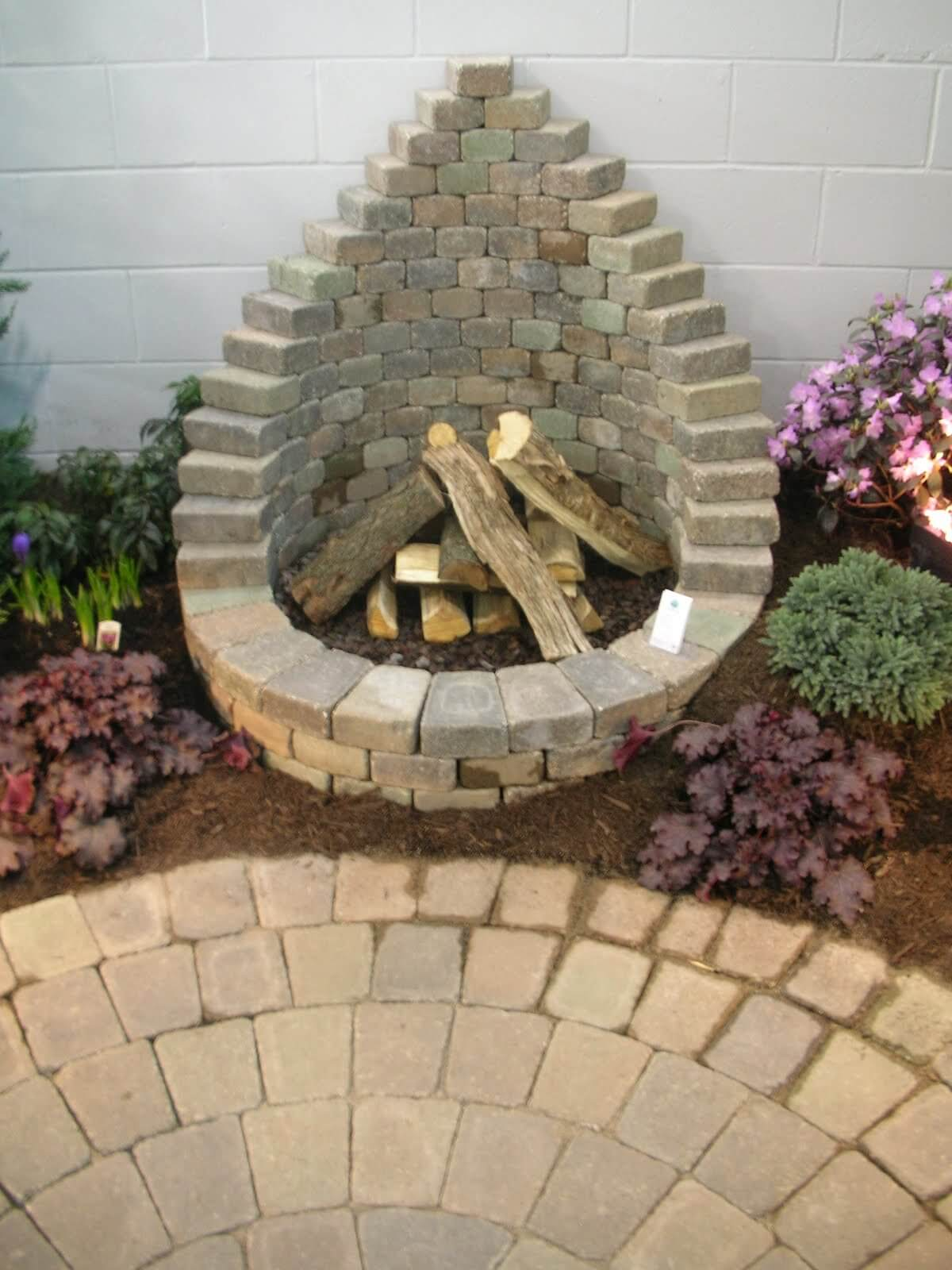 16 Easy and Cheap DIY Outdoor Fire Pit Ideas