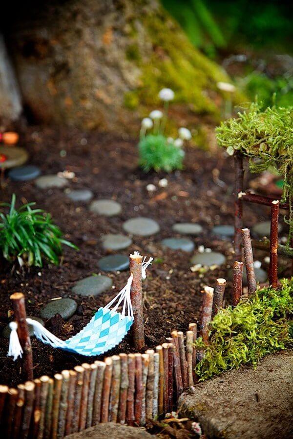Fairy Garden Ideas 21 Best Diy, How To Make Miniature Garden Furniture